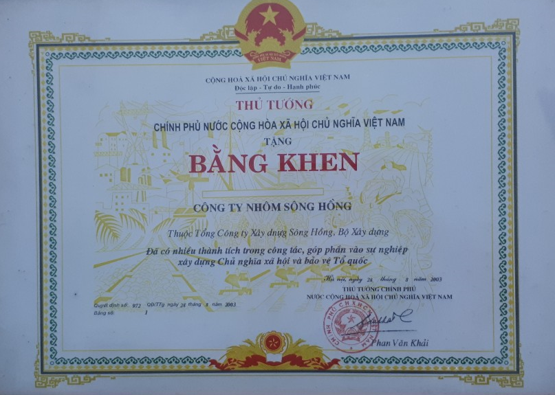 SHALUMI được UBND tỉnh Phú Thọ tặng bằng khen vể AT-VSLĐ